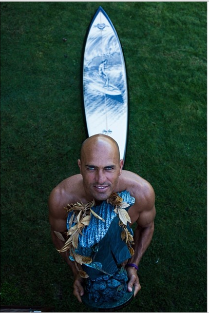kelly slater pipe master champion, trophy board & bronze trophy of Gerry Lopez